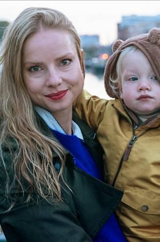 """'Ella'-actrice Darya Gantura: """"Toen een mannelijke medewerker mij lastigviel, gaf de baby in mijn buik me de kracht om er iets van te zeggen"""""""