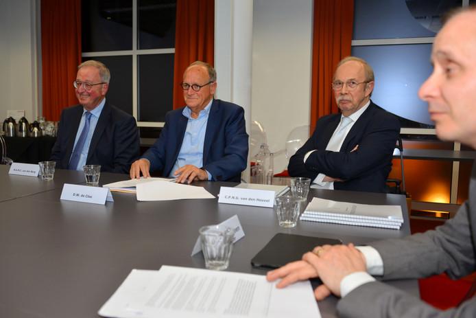 De presentatie van het rapport van de commissie De Cloe.