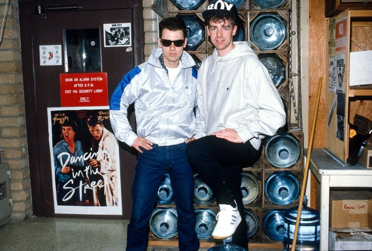 Chris Lowe and Neil Tennant of The Pet Shop Boys pose for a photo circa 1983. (Photo by Lester Cohen/Getty Images) Beeld Lester Cohen