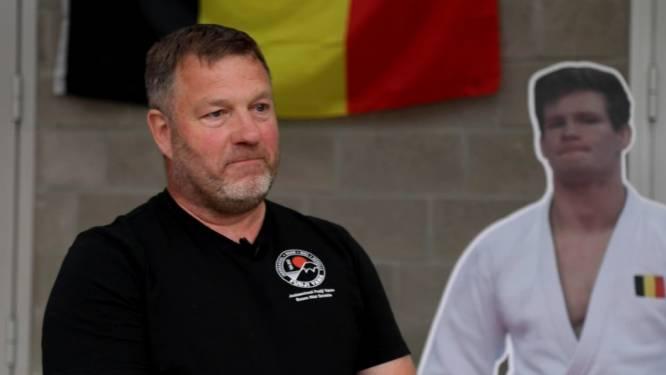 """In het spoor van de fans van Casse die samen supporteren, jeugdtrainer Guy: """"Ik word er emotioneel van Matthias op dit niveau te zien"""""""