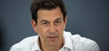 Teambaas Wolff weet nog niet of hij bij Mercedes blijft: 'Denk er nu heel goed over na'