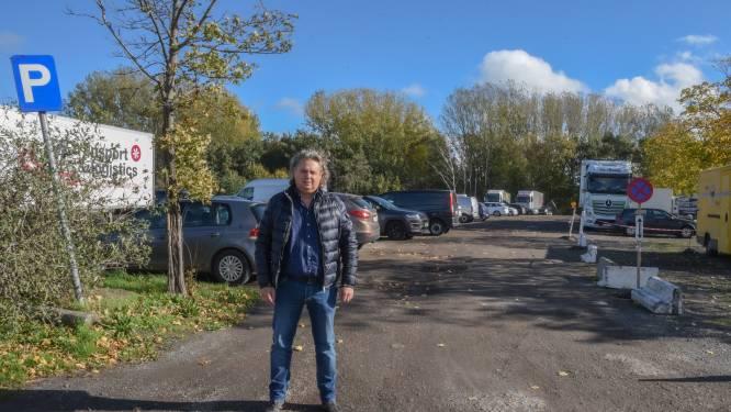 """Niet iedereen opgezet met heraanleg De Bruynkaai: """"Vergroening goed en wel, maar weer tientallen parkeerplaatsen minder in stad"""""""