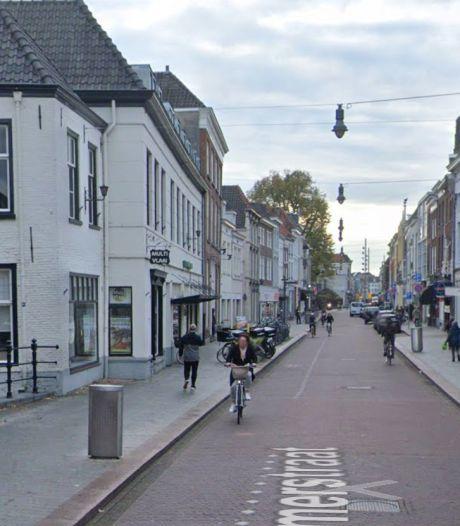 Overlastgevende voertuigen in centrum Den Bosch: aanhoudingen verricht, bekeuringen uitgedeeld