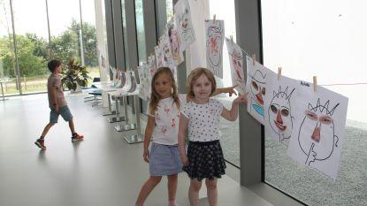 Mee met mama en papa naar het werk: kinderen ravotten op zomerkamp bij Skyline
