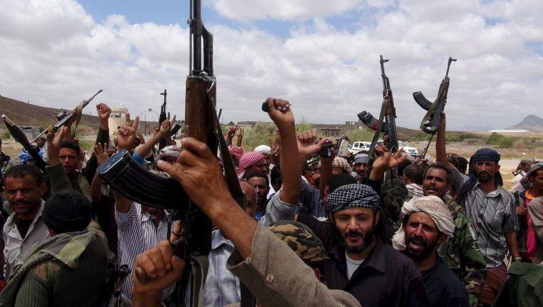 Juichende Jemenitische militieleden. Beeld reuters