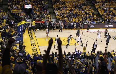 durant-en-thompson-loodsen-warriors-weer-langs-spurs