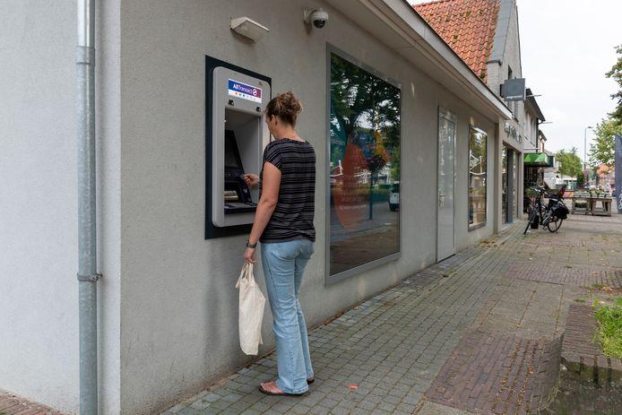 De pinautomaat aan de Kerkstraat in Reusel.