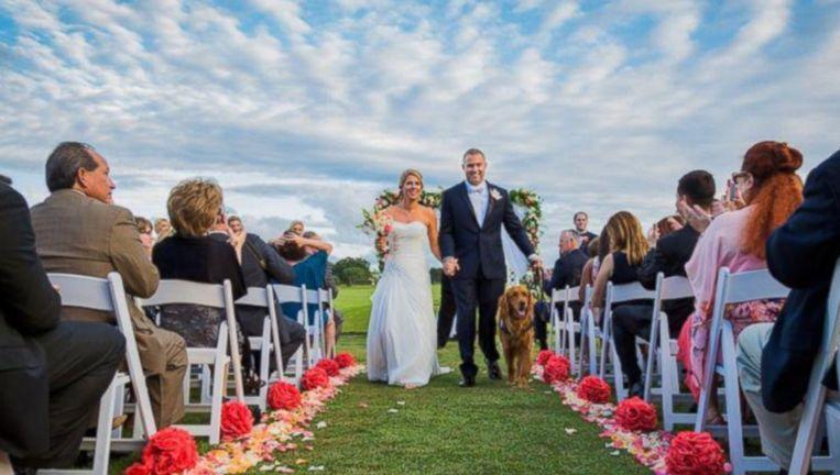 Oorlogsveteraan heeft zijn hond als getuige op bruiloft