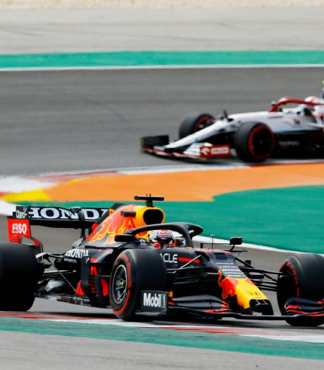 Red Bull weet wat het te doen staat: 'Vol de druk erop bij Mercedes'