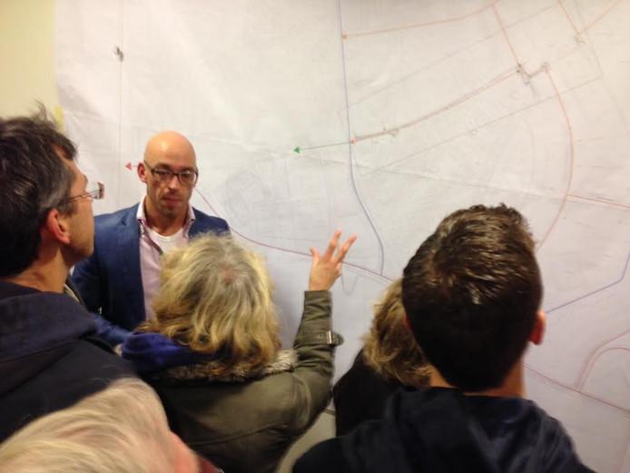Woensdagavond presenteerde de gemeente Zaltbommel verkeersplannen in Brede School de Waluwe