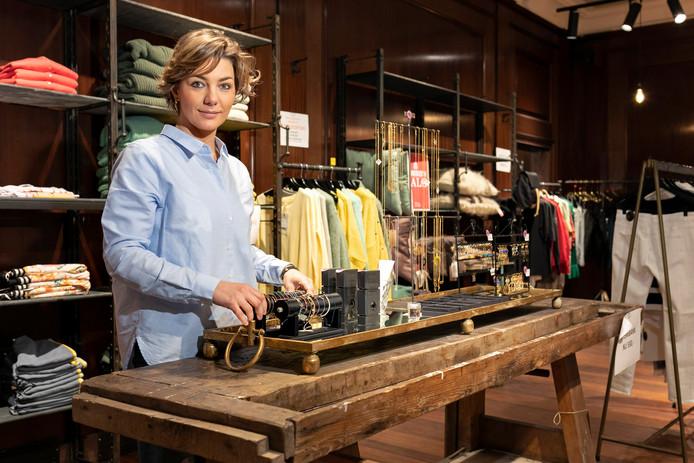 Nikki Van Leeuwen stopt binnenkort met warenhuis/café Robbies in de Verwersstraat: ,,Ik wil met trots de deur dichtdoen.''