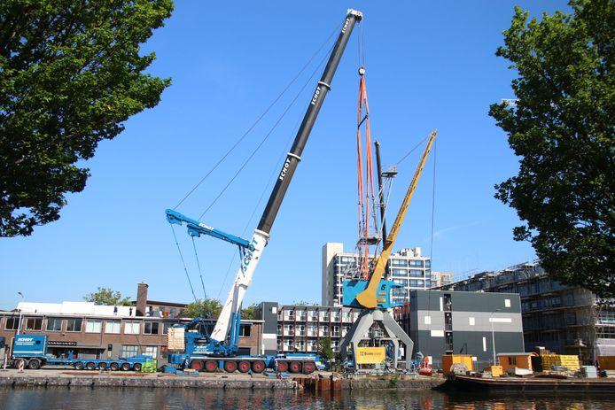 Verplaatsing monumentale kraan Conrad Stork aan de Laakhaven in Den Haag