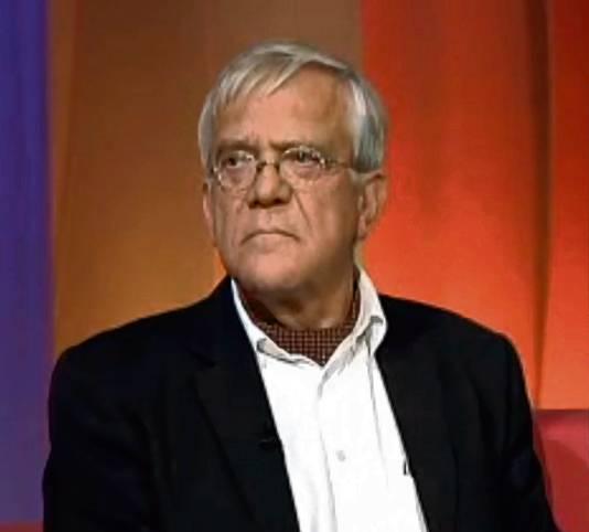 De voormalige arts René Broekhuyse werd in 2006 uit zijn beroep gezet wegens zijn aandeel in de behandeling van actrice Sylvia Millecam. Nu zegt hij Q-koorts te kunnen genezen.