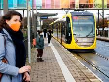 Corona verziekt verjaardag Uithoflijn, maar... trambestuurder Jasper (24) zit wél te genieten in z'n cabine