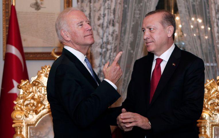 Joe Biden en Recep Tayyip Erdogan ontmoeten elkaar in januari 2016.  Beeld AP