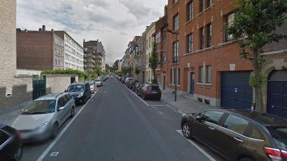 Straat in Elsene afgesloten na grondverzakking van anderhalve meter diep