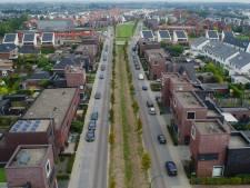 Dagelijkse chaos van fietsers en auto's op Landbouwlaan; ook dorpsraad wil nu tweede uitweg Piekenhoef