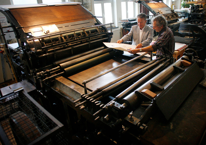 Een drukpers van het Valkenswaards Steendrukmuseum.