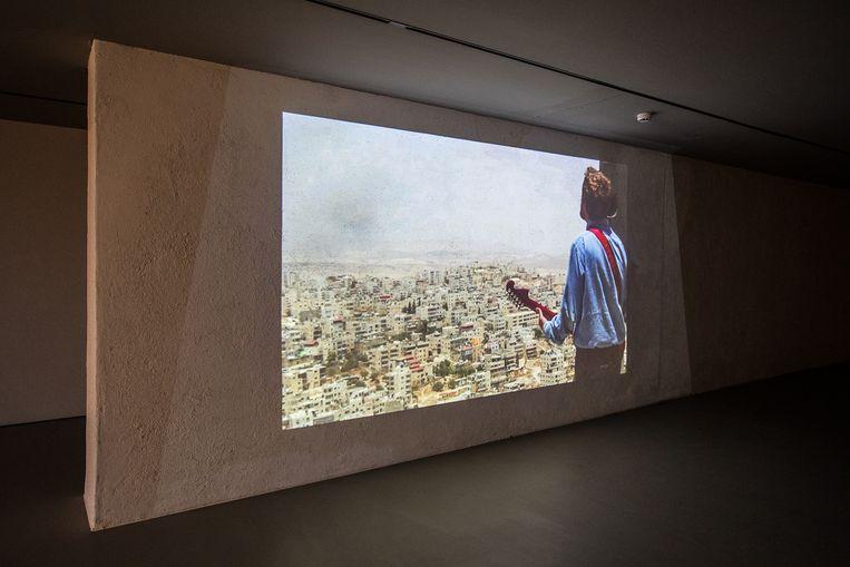 Daniel Kiczales in zijn video The Messenger, te zien in Museum Krona in Uden.  Beeld Natascha Libbert