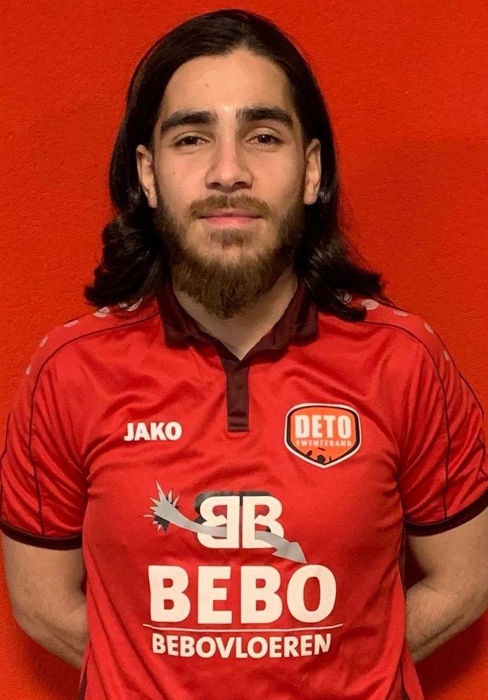 Mert Baglar in het shirt van z'n nieuwe club.