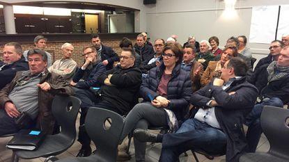 """""""Werknemers Van Hool moeten parking van hun bedrijf gebruiken"""""""