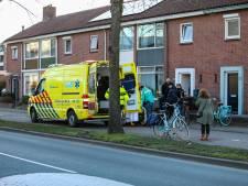 Scooterrijder botst in Apeldoorn op tienermeisje en rijdt door