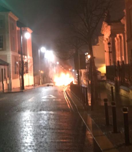 Politie: 'Echte IRA' mogelijk achter autobom in Noord-Ierland
