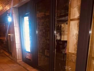 Vandaal gooit raam in bij Lili's Snoephuisje