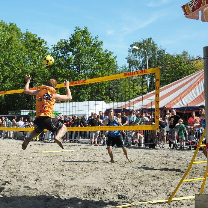 Het Beach evenement in Vogelwaarde is een drukbezocht sportief evenement voor de regio.