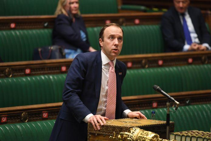 Matt Hancock informeert het parlement.