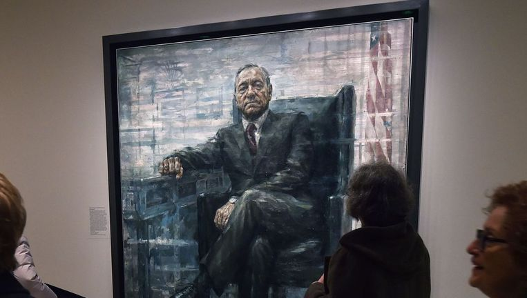 Het portret van Kevin Spacey als president Francis J. Underwood hangt sinds februari naast de echte presidenten, in de National Portrait Gallery te Washington Beeld afp