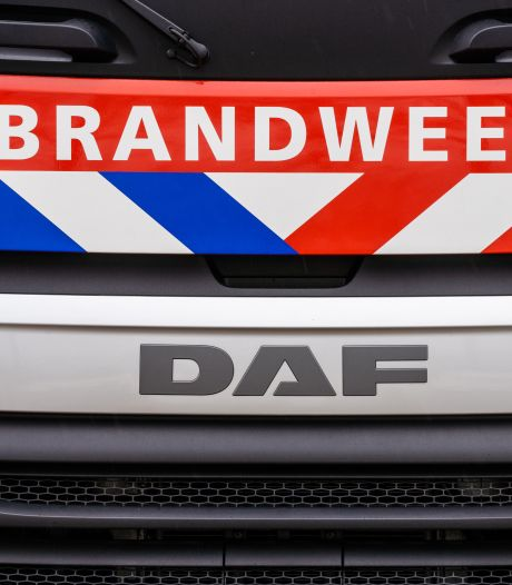Brandweerkorpsen uit Beesd, Varik en Kesteren zitten in Limburg: 'Fijn dat we elkaar kunnen helpen'