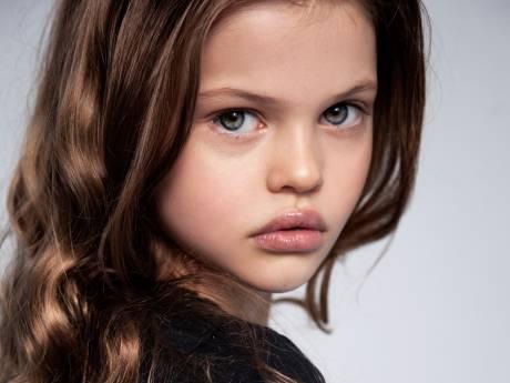 De 8-jarige Joeke Rovers bestormt de wereld: 'Er gebeurt iets magisch als ze voor de camera staat'