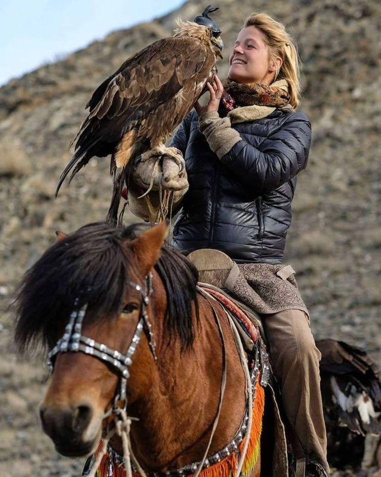 Leren jagen met een adelaar in Mongolië. Beeld Tamar Valkenier