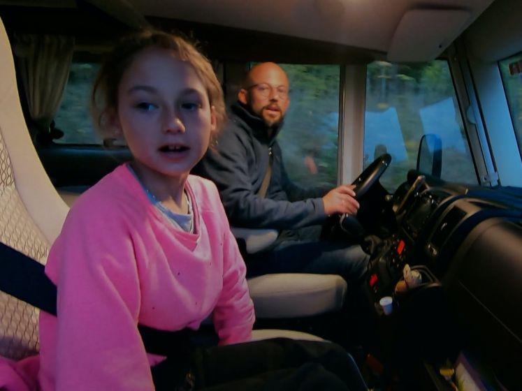 """Familie Coppens ziet voor het eerst hun huisje in Zweden: """"Neen, dat kan niet!"""""""