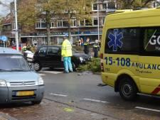 Traumateam rukt uit om geschepte scooterrijder op Parkweg in Voorburg bij te staan