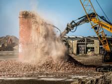 Oud-werknemers suikerfabriek nemen met weemoed afscheid van dorpsicoon: 'Einde historie'