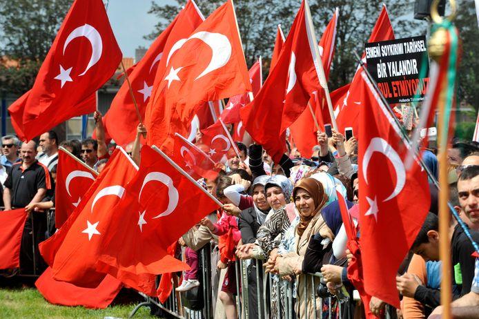 De demonstratie in 2014 van Turken uit heel Nederland tegen het Armeens genocidemonument in Almelo.