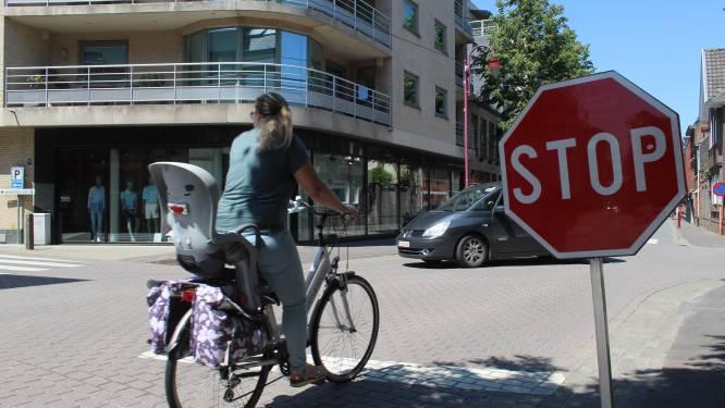 Meest onlogische kruispunt in Aalter verdwijnt: Stationsstraat krijgt weer voorrang op Kouter en Weibroekdreef