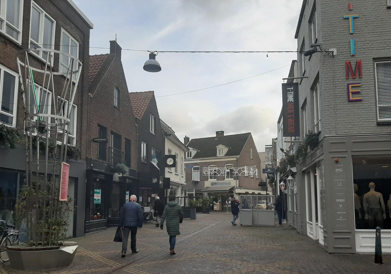 Een terras wordt verwijderd in de Bolisetraat.