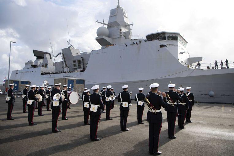 Aankomst van de Zr.Ms. De Ruyter in Den Helder vorig jaar. Het marineschip keerde terug na het afronden een missie in de Golf-regio.  Beeld ANP