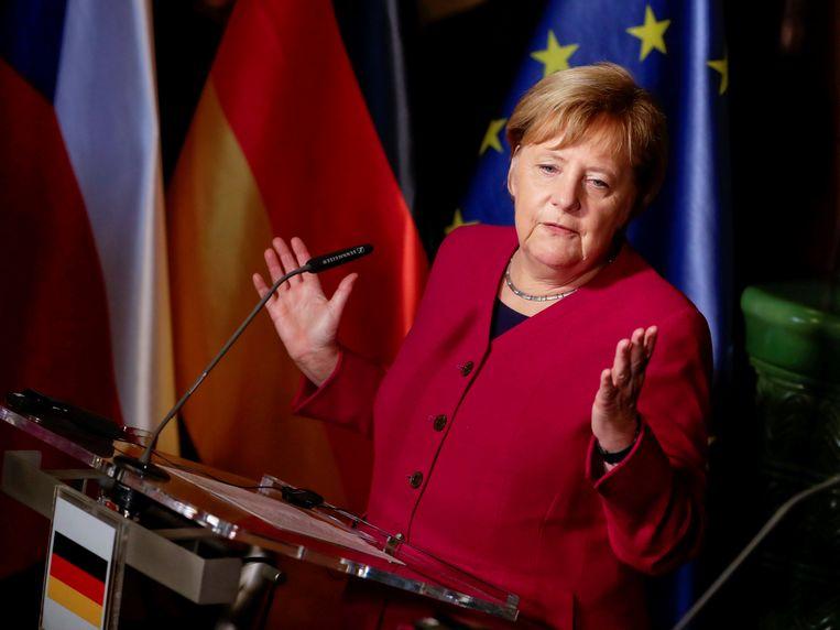 De Duitse bondskanselier Angela Merkel is niet langer kandidaat om zichzelf op te volgen als voorzitter van de CDU. Beeld REUTERS