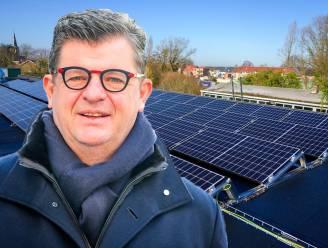 """Tommelein bijt van zich af in klucht rond zonnepanelen: """"N-VA heeft digitale meter door parlement gejaagd"""""""