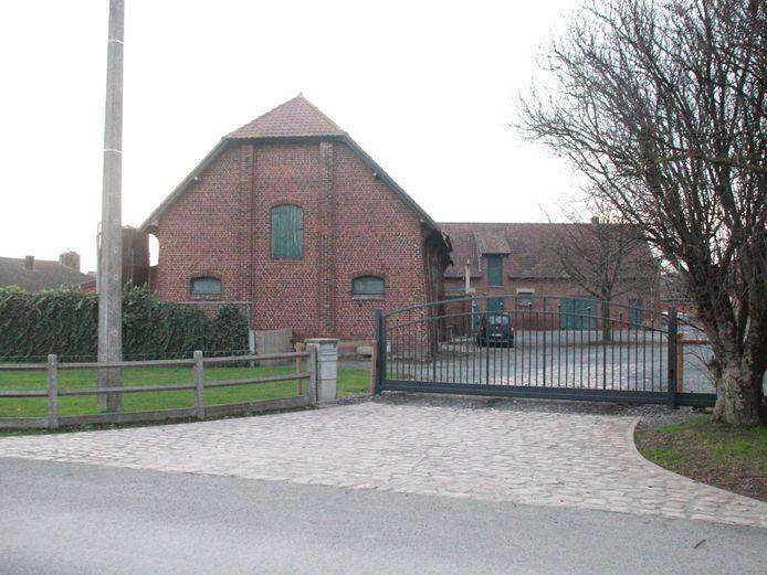 Vogelgriep vastgesteld bij pluimveebedrijf De Brugpoort in Menen.