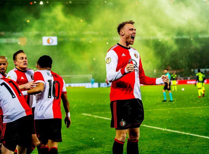 Nicolai Jørgensen viert de openingsgoal van Larsson.