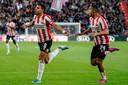 Donyell Malen was andermaal belangrijk voor PSV. Hij tekende voor de openingstreffer. Mohamed Ihattaren (rechts) blonk op zijn beurt uit tegen Sporting.