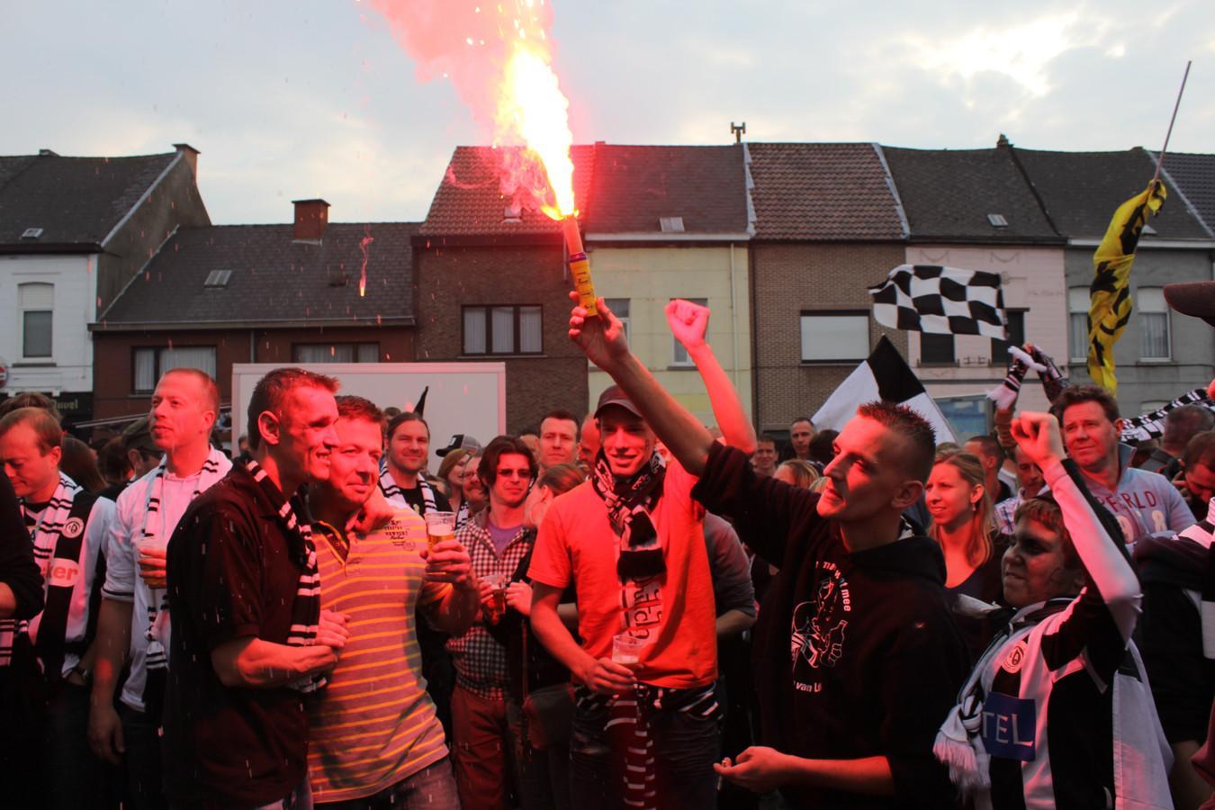 Archieffoto supporters Eendracht Aalst.