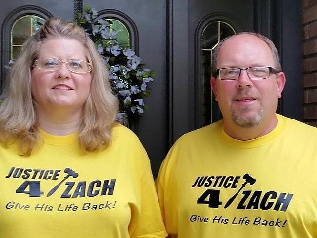 De ouders van Zach strijden om de straf van hun zoon te laten herzien.