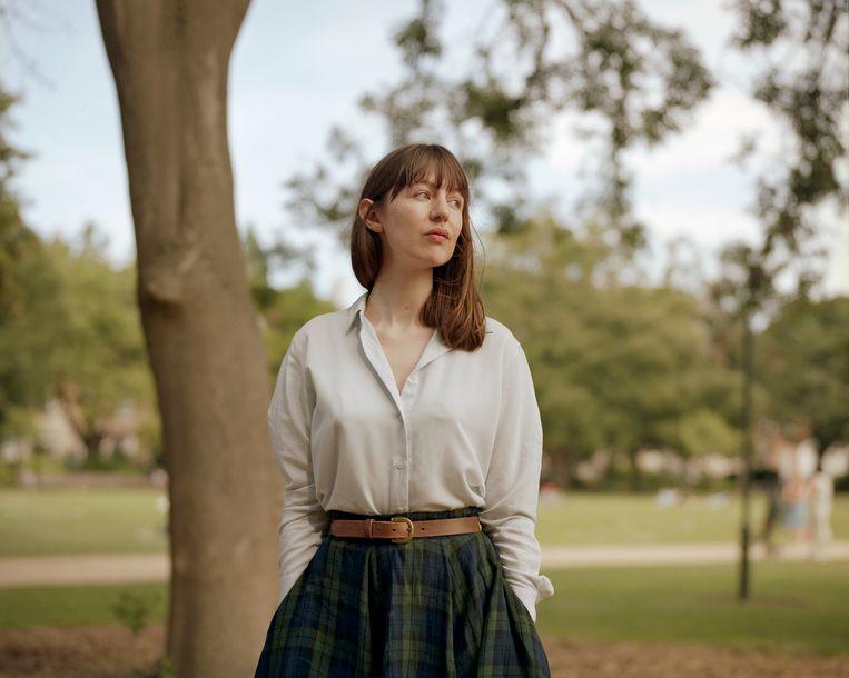 Sally Rooney: 'Misschien ben ik zo iemand die als twintiger twee boeken schrijft en daarna niets meer'. Beeld NYT / ELLIUS GRACE