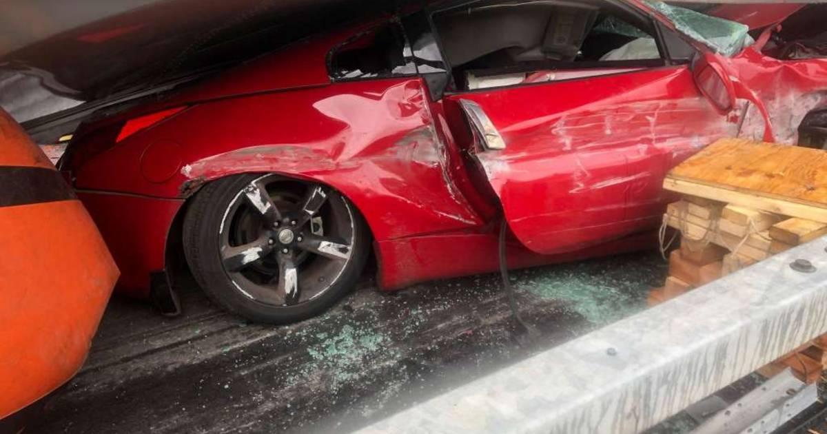 Chauffeur van geplette Nissan houdt slechts een schrammetje over aan ongeval.
